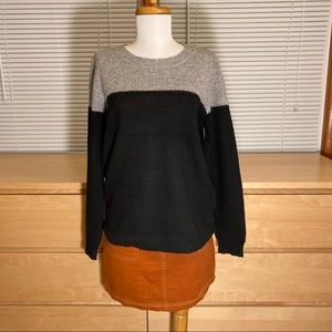 FOREVER21 two tone crew neck sweater